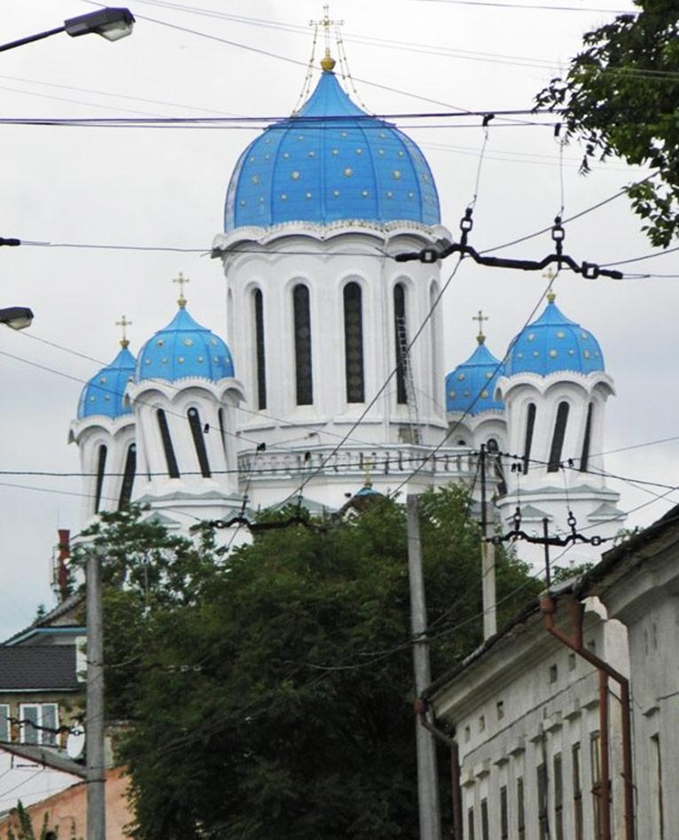 10 нелепых и удивительных зданий в Украине